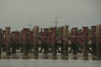 Beckton Gas Works jetty piles, they have tried to remove them but they can't shift them.